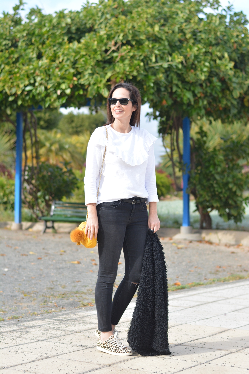 blanco-y-negro-outfit-streetstyle