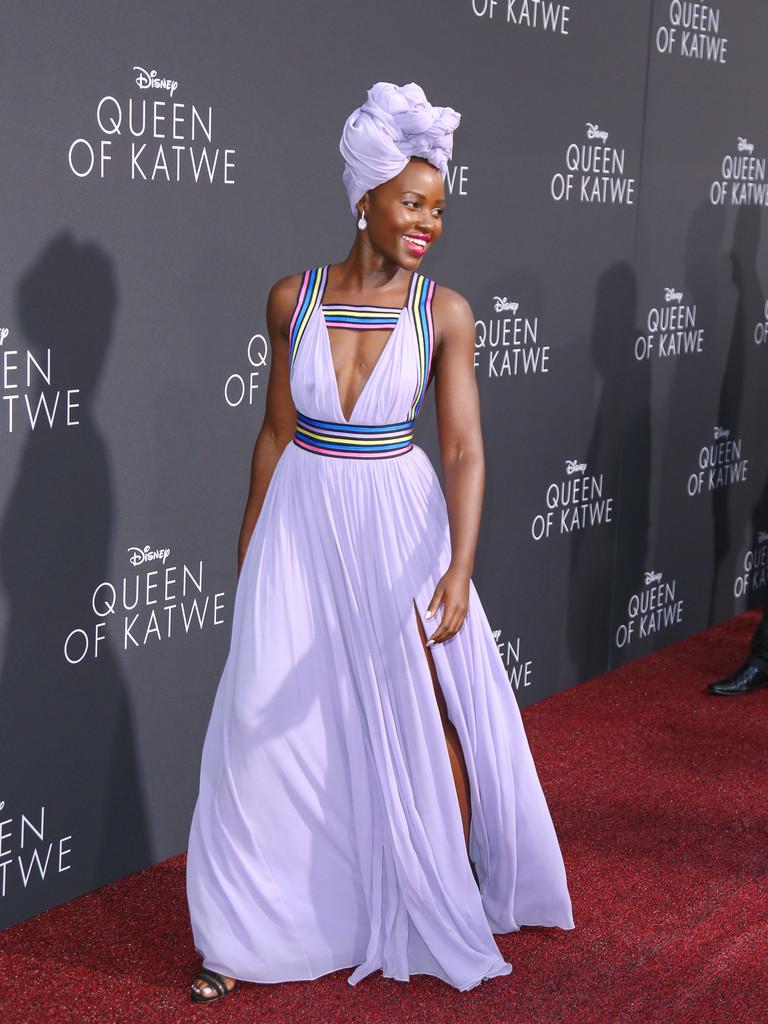 septiembre 2016 - Dos mujeres y un vestido