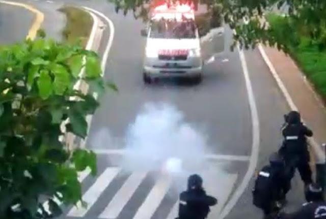 Viral Video Mobil Ambulans Dikejar dan Ditembaki Polisi hingga Jalan Mundur