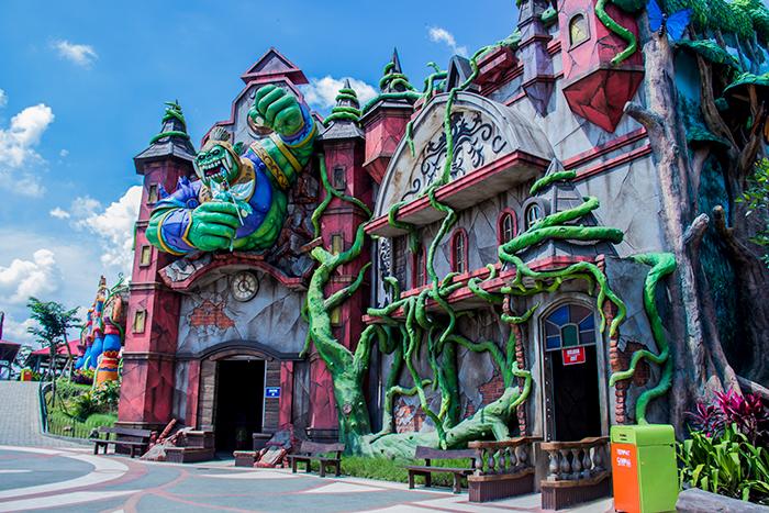 Rumah Hantu di Saloka Theme Park