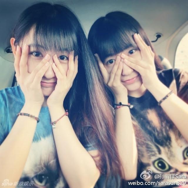 Hình ảnh cặp đôi hot girl sinh đôi cực dễ thương đáng yêu
