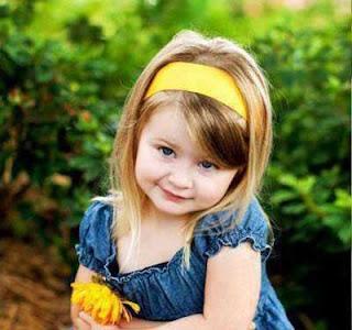 صورة بنت جميلة صغيرة رائعة للغاية