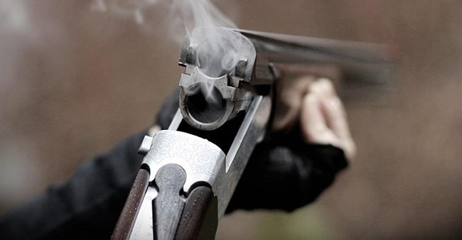 Ο τσακωμός για τα χωράφια είχε άσχημη κατάληξη - Πήρε την καραμπίνα και άρχισε να πυροβολεί