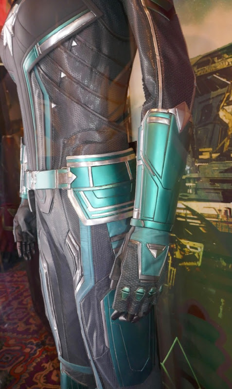 Vers Starforce costume detail Captain Marvel