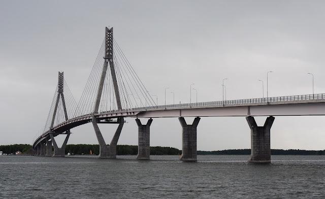 vaasa, postikortti vaasasta, matkaillu suomessa, mita tehda vaasassa, Raippaluodon silta, suomen pisin silta, mustasaari