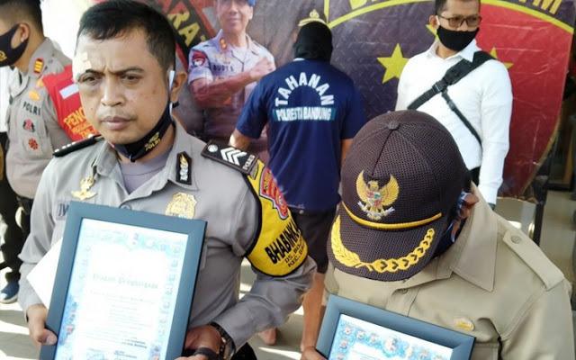 Seorang Polisi Dikeroyok Delapan Pemabuk di Bandung