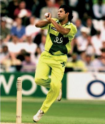 Ricky-Ponting-named-Wasim-Akram-the-best-bowler