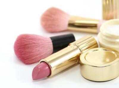Lista de ideas para regalar a personas especiales, maquillaje