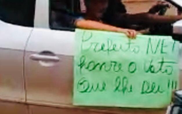 População realiza manifesto nas ruas de Palmital!