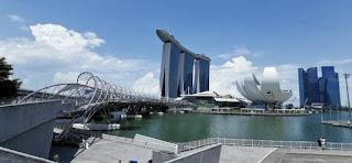 Bahía de Singapur. Helix Bridge o Puente Helix.