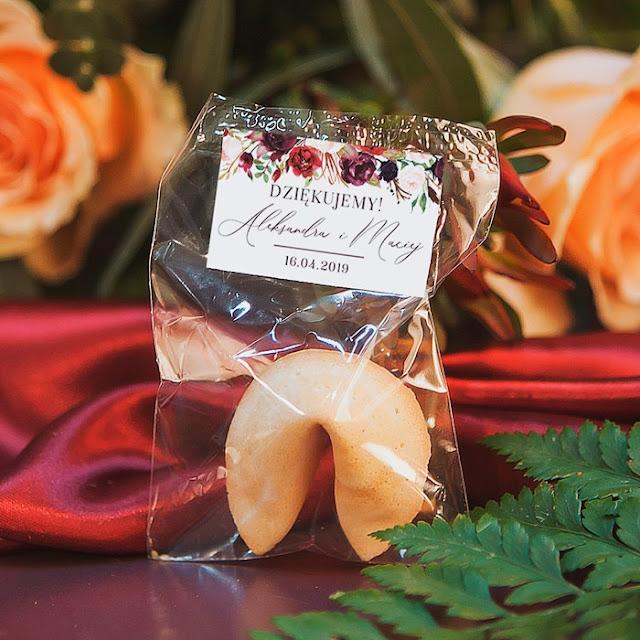 Ślubne ciasteczka z wróżbą