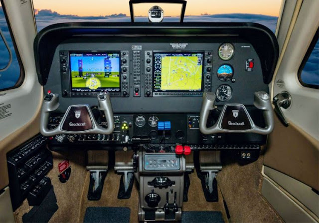 Beechcraft Baron G58 cockpit