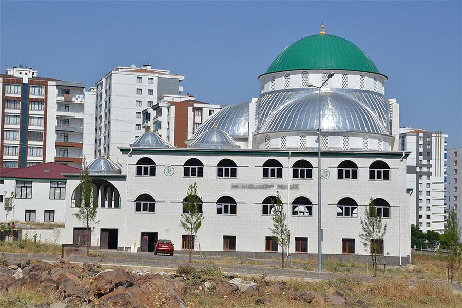 Dicle EDAŞ Diyarbakır'daki Yeşil Kubbe Camisinin elektriğini kesti