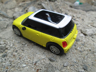 Hape Antik Mini Cooper S1 Bluetooth Mobile Phone