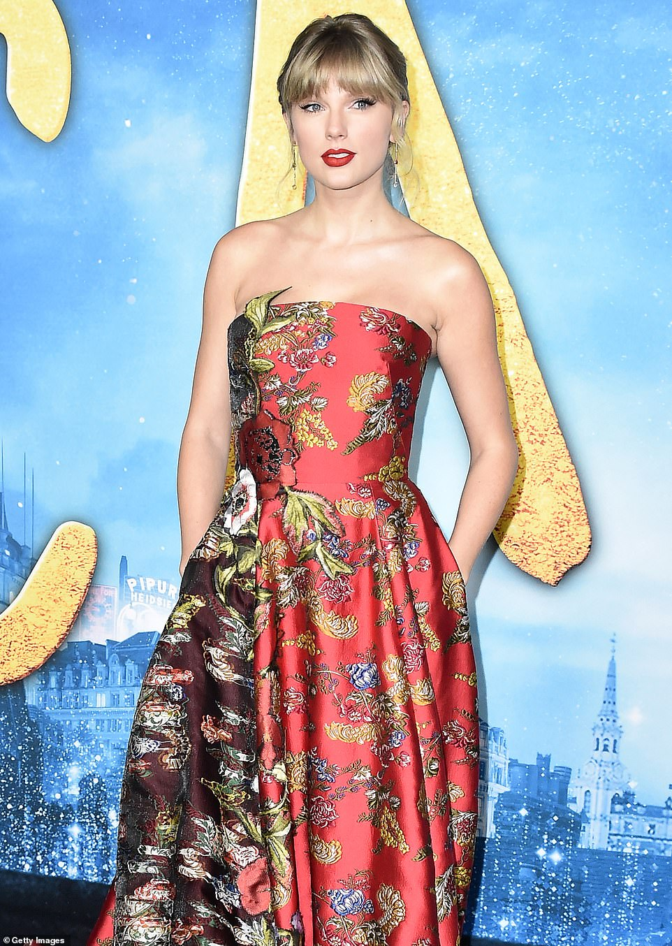 TAYLOR Swift dazzled during the premiere of Cats at the Lincoln Center in New York City on Monday