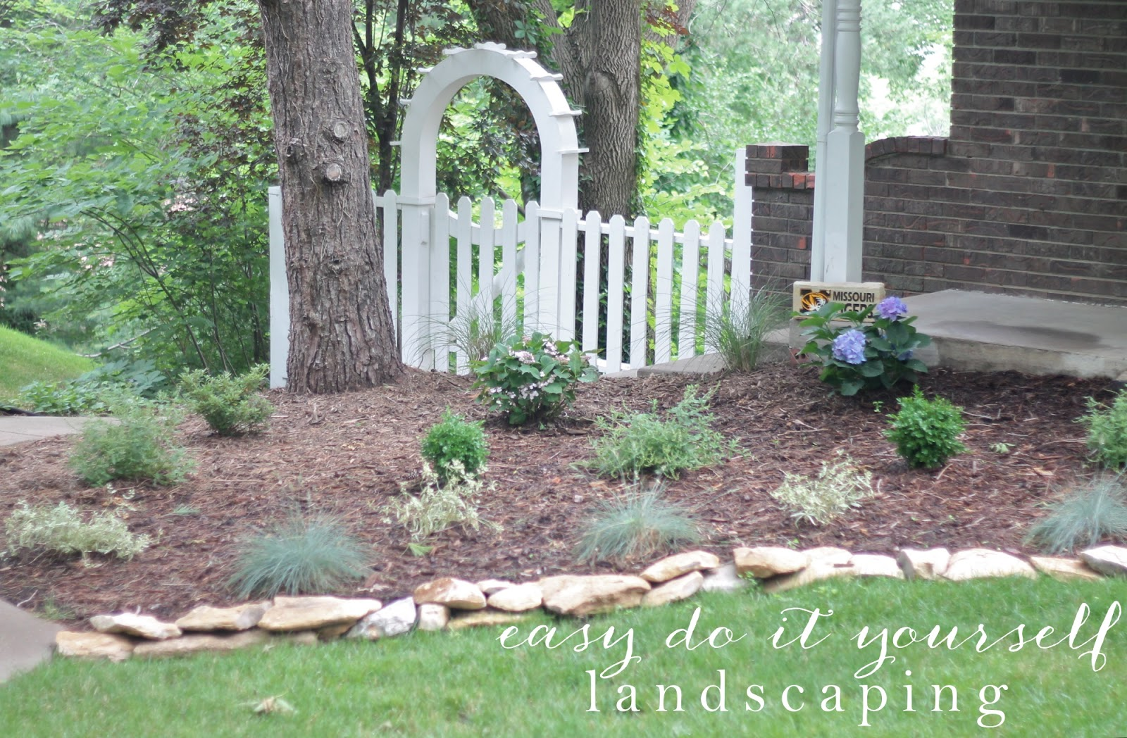 Do It Yourself Home Design: Creating Beautiful Water Efficient Gardens