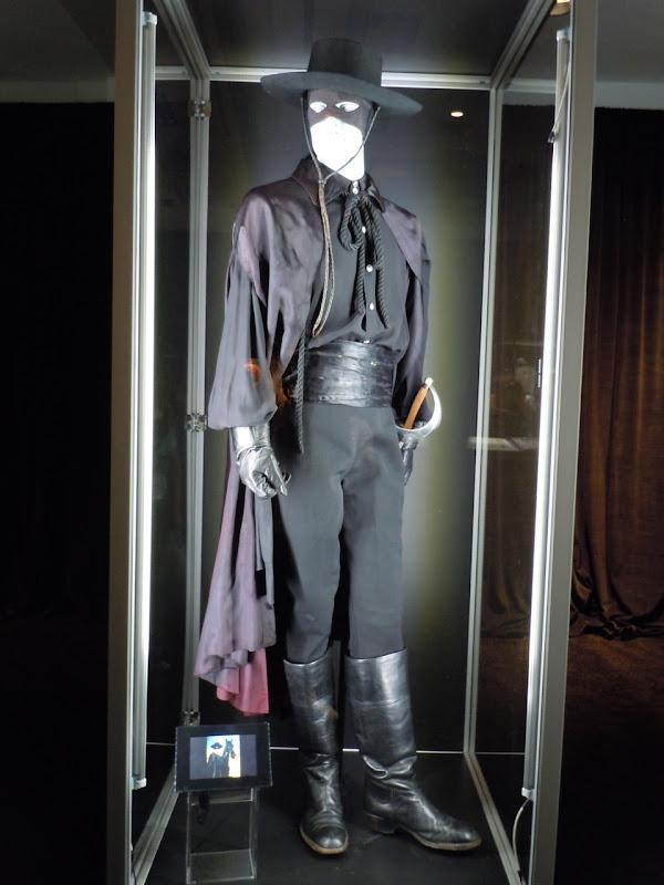 Zorro Guy Williams costume ... & Guy Williams Zorro TV costumes from the 1950u0027s on display ...