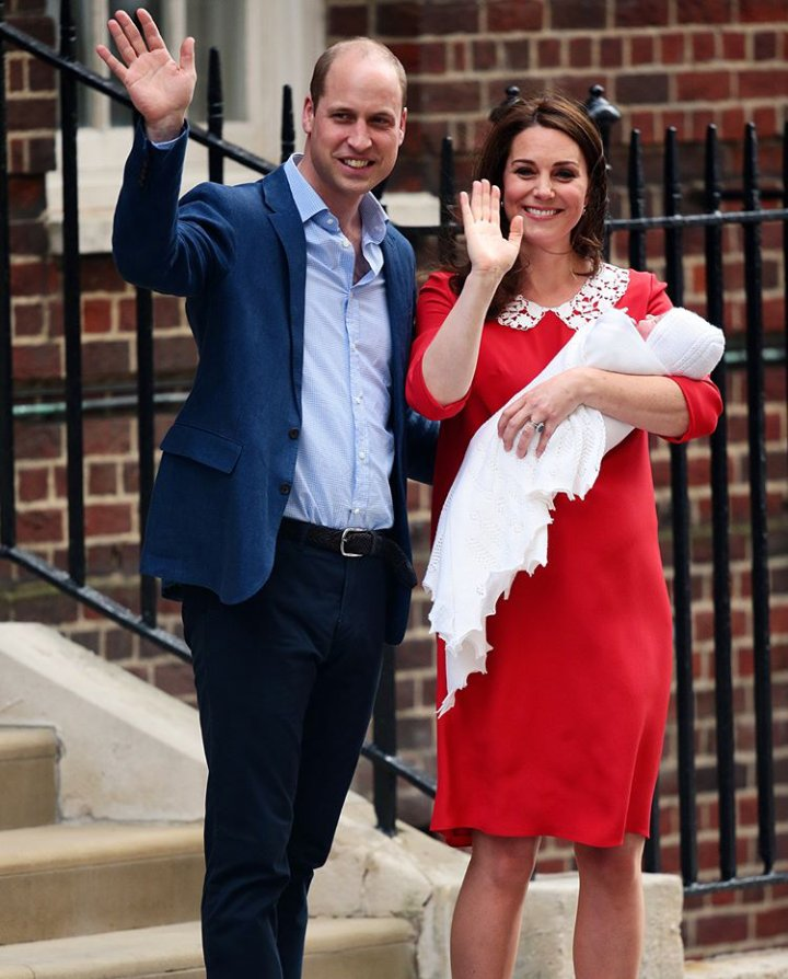 The Duke and Duchess of Cambridge appear on the steps of St Mary's Hospital with their third child