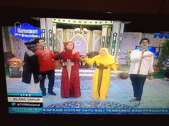Busana Muslim Bercorak Mirip Salib di Acara TV, Ustadz Hanny Tuduh Kristenisasi