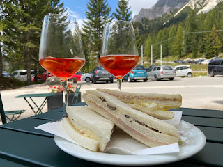 Sandwiches without crusts at a bistrot at Passo Tre Croce.