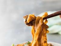 Thaì Stìr Frìed Noodles (Pad See Ew)