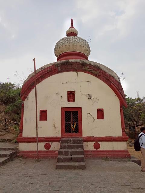 राजाराम महाराज की समाधि Sinhgad-fort-information