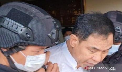 Polri Sebut Munarman dalam Kondisi Sehat, Warganet: Buktikan Kalau Beliau Sehat!
