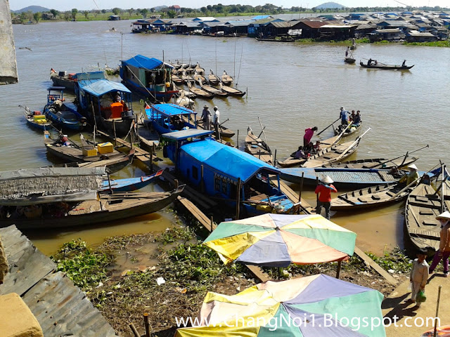 Living on the Tongle Sap in Cambodia