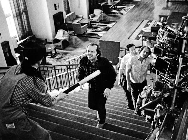 Foto dos bastidores do filme O Iluminado, ou The Shining, lançado em 1980 inspirado no livro homônimo de Stephen King
