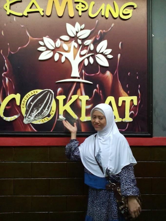 Wisata Edukasi Kampung Coklat dan Water Park Sumber Udel di  Blitar, Jawa Timur