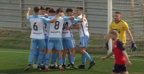 El Atlético Malagueño remonta y vence al CD Estepona (2-1)
