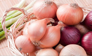 فوائد البصل للبرد وطريقة استخدامة وفوائد وضع البصل أسفل القدم