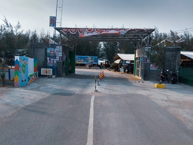 Loket masuk Karang Jahe Beach