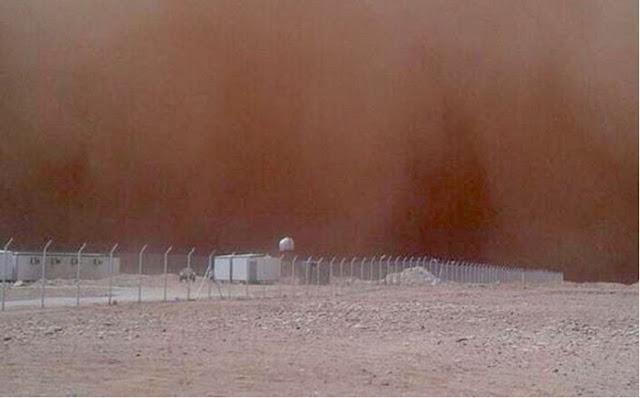 Ngeri! Langit di Makkah dan Madinah Berwarna Merah Gelap