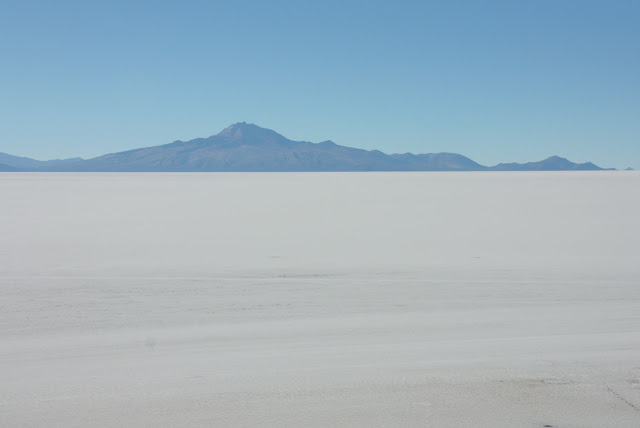 Vulcão Tunupa e o Salar de Uyuni, na Bolívia