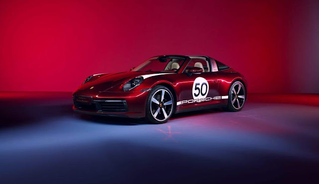The Heritage Design Edition can be had in five colours, including a 911-exclusive Cherry metallic paint