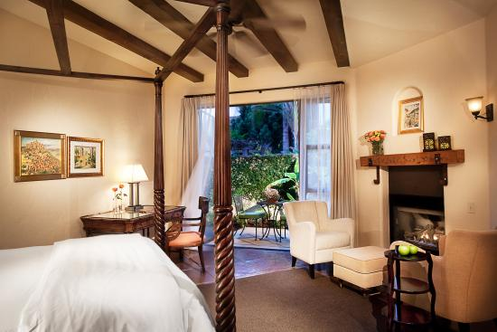 Escape to Spanish Garden Inn, a jewel among Santa Barbara luxury hotels and your intimate retreat in the heart of downtown.