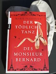 http://samtpfotenmitkrallen.blogspot.ch/2016/05/der-todliche-tanz-des-monsieur-bernard.html