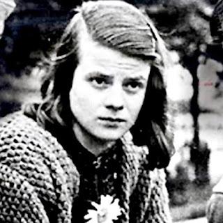 A heroína da resistência, Sophie Scholl, 1941.