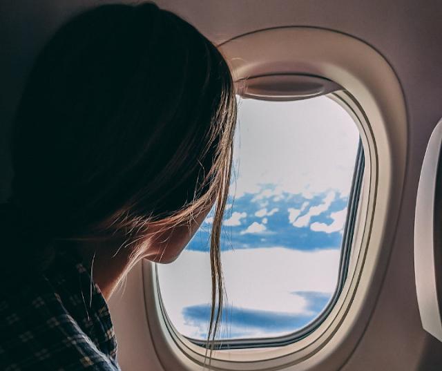 Formas de destapar tus oídos después de un vuelo