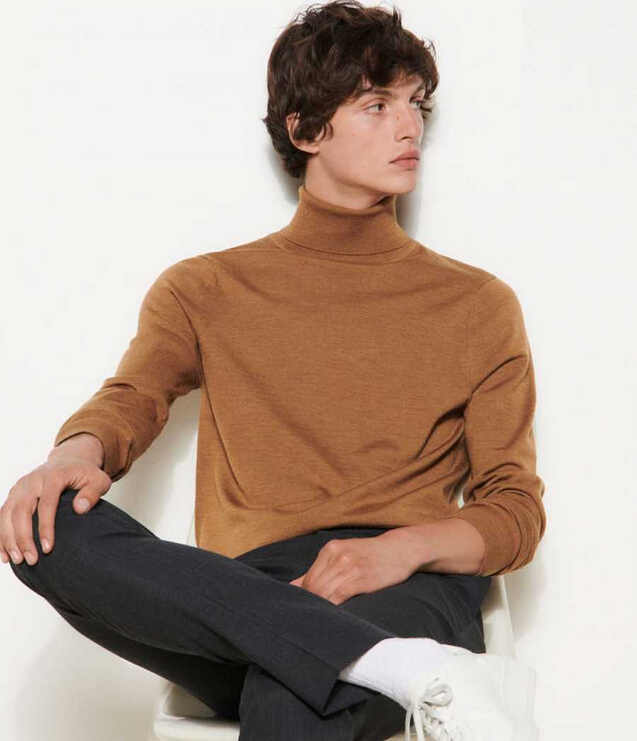 This season's star outer garment should always be dyed in a warm camel tone
