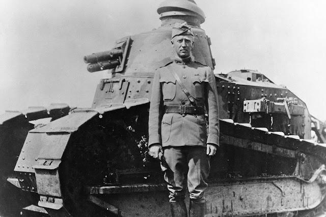 Ο Αντισυνταγματάρχης George S. Patton Jr.