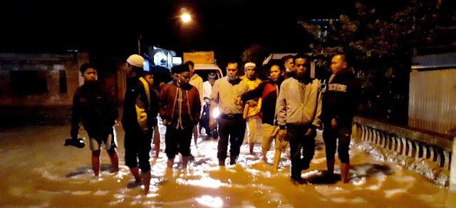 Banjir Terjang Kecamatan Koto Baru, Cawako Ahmadi Zubir Turun Tinjau Lokasi