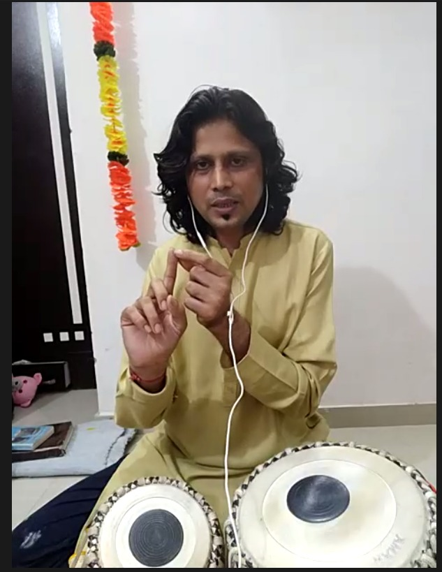 VIEWERS WITNESS A GUIDED TABLA SESSION BY TABLA MAESTRO AT JKK