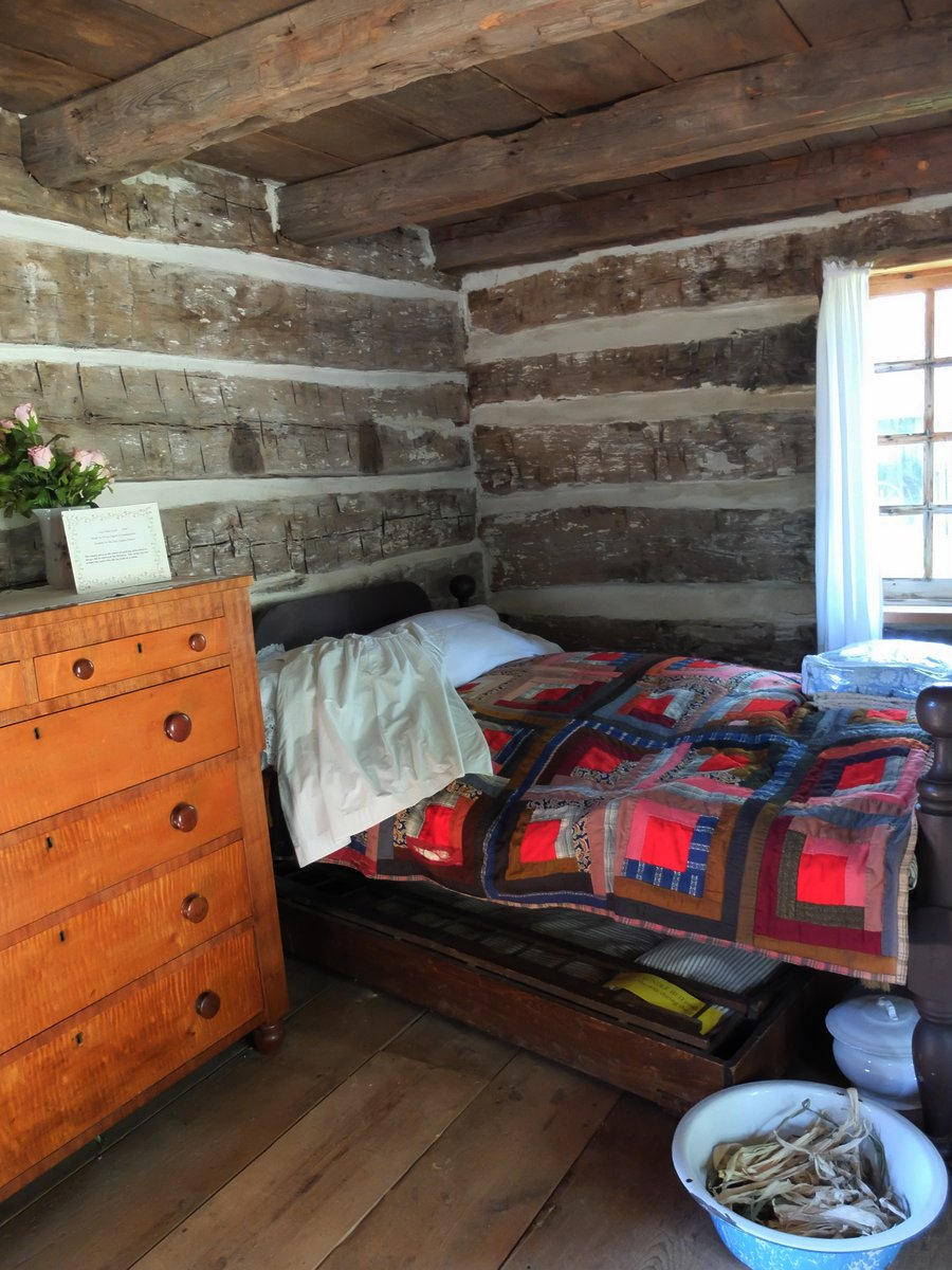 Nice A log cabin quilt of course