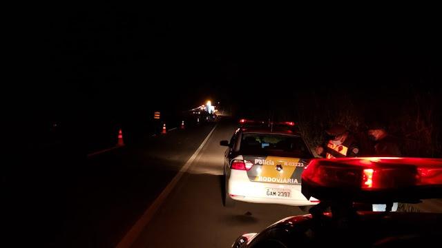 Motorista embriagado se envolve em acidente de trânsito e passageiros ficam feridos na SP-294