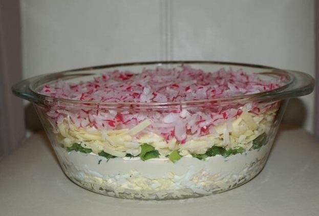 Слоеный салат с редиской и сыром - вкусный и легкий, можно на ночь!
