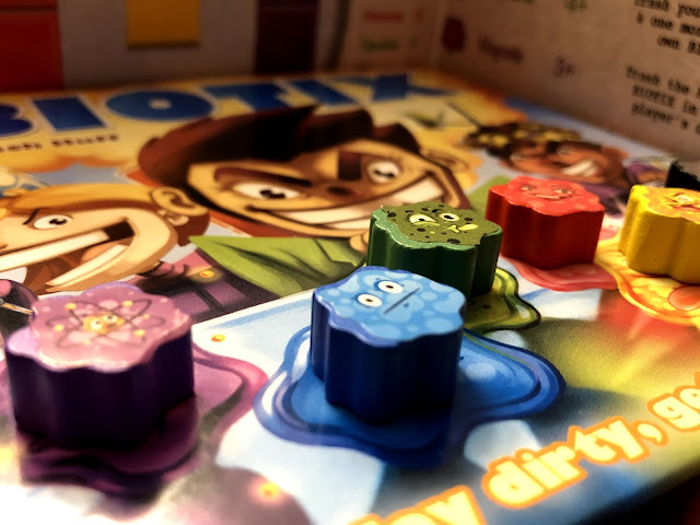 Smirk and Dagger Games Biotix Board Game Review; Photo by Benjamin Kocher