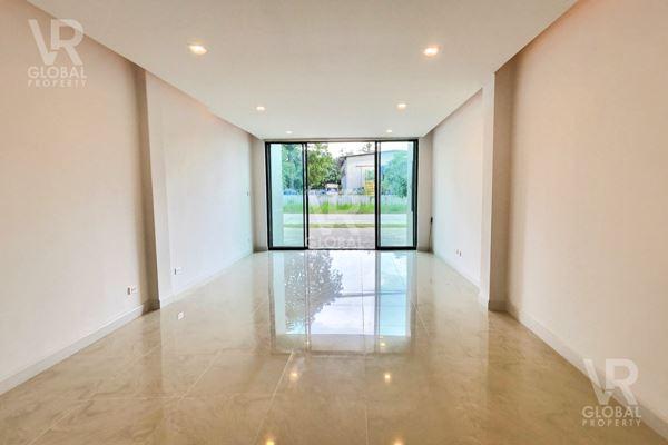 VR Global Property Company Limited ตึกแถวใหม่ ใกล้มอเตอร์เวย์ชลบุรี พัทยา หนองขาม ศรีราชา