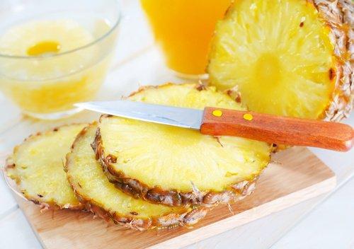 Comment préparer un masque d'ananas pour réduire les rides sous vos yeux?
